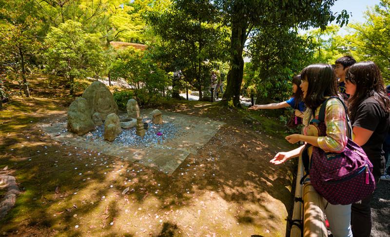 golden-pavilion-kinkakuji-temple-kyoto-japan-962