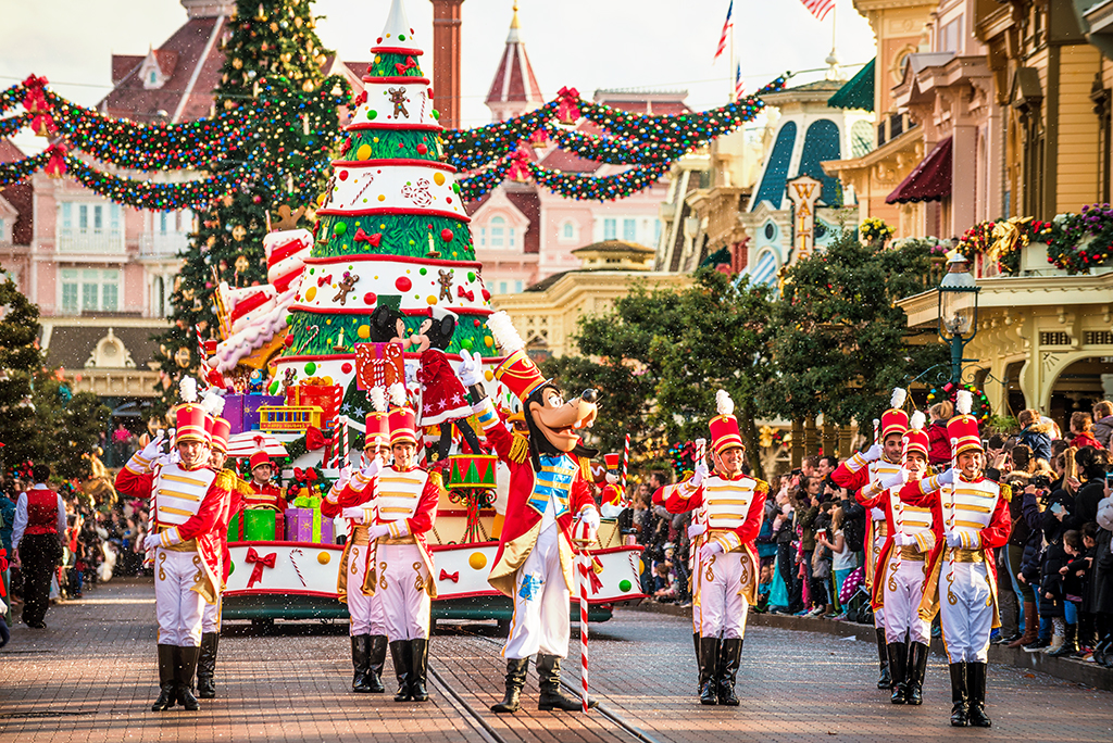 What Time Is Disneyland Night Christmas Parade Html