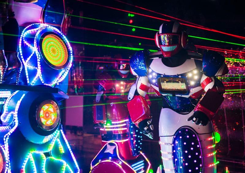 robot-restaurant-tokyo-japan-shinjuku-0902