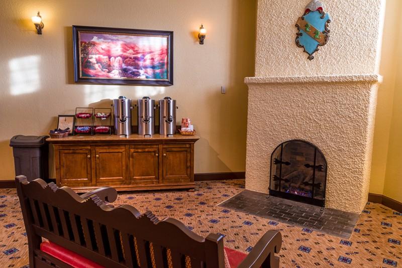 el-tovar-fireplace-coffee