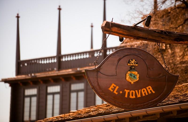 el-tovar-sign