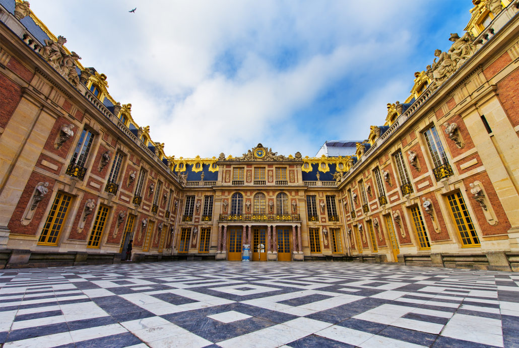 how to get from versailles to paris