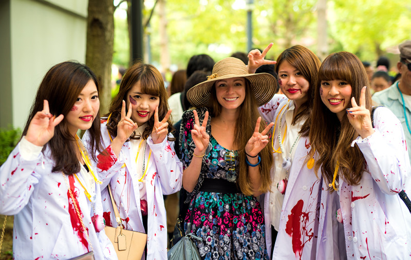 zombie-nurses-sarah-bricker-universal-japan