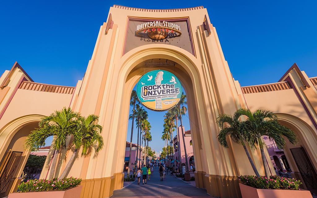 how to get a job at universal studios orlando
