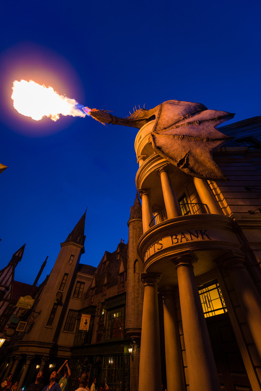 dragon-dusk-universal-diagon-alley-harry-potter