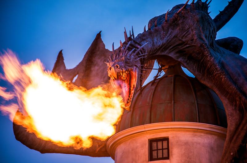 gringotts-dragon-close-up-fire