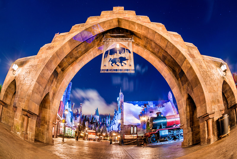 hogsmeade-archway-entrance-wizarding-world-harry-potter-universal