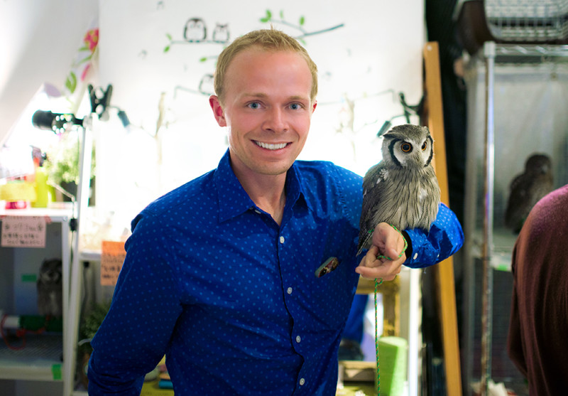 owl-cafe-japan-tom-bricker