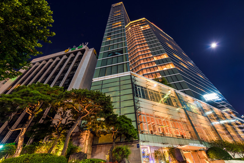 park-hyatt-seoul-full-moon