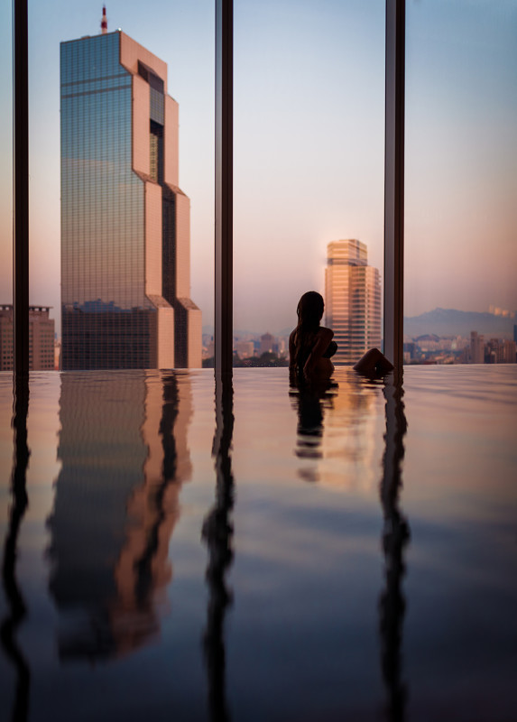 park-hyatt-seoul-pool-sarah-bricker