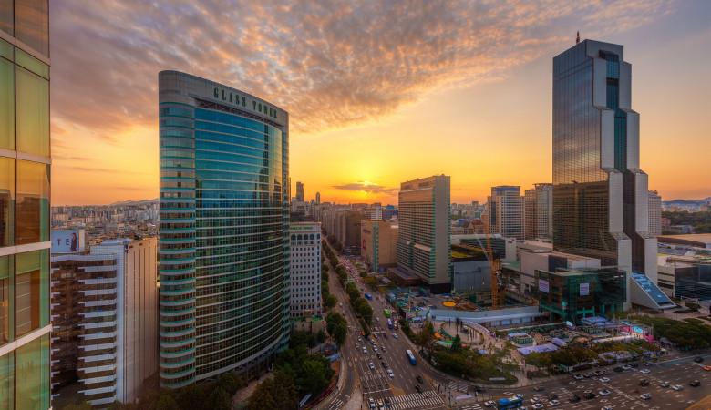 park-hyatt-seoul-room-window-sunset copy