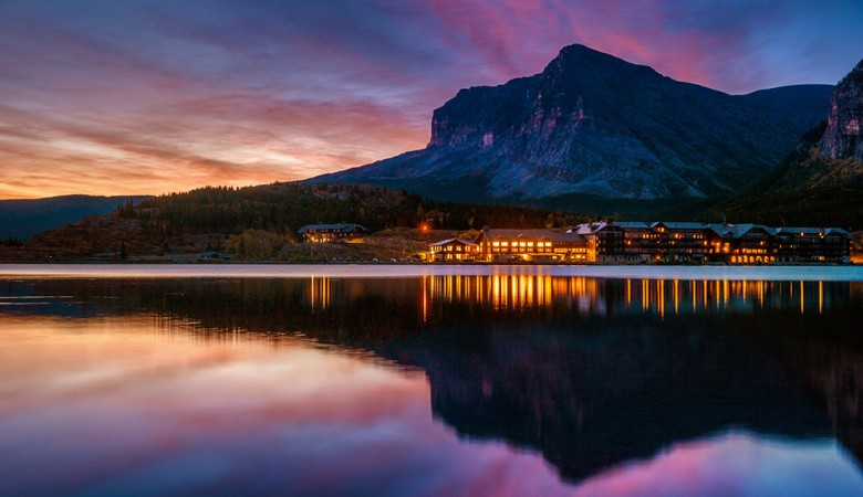 swiftcurrent-lake-sunrise-many-glacier-hotel