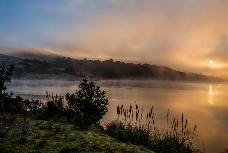 Crystal-Springs-Reservoir-Santa-Cruz-Mountains-sunrise
