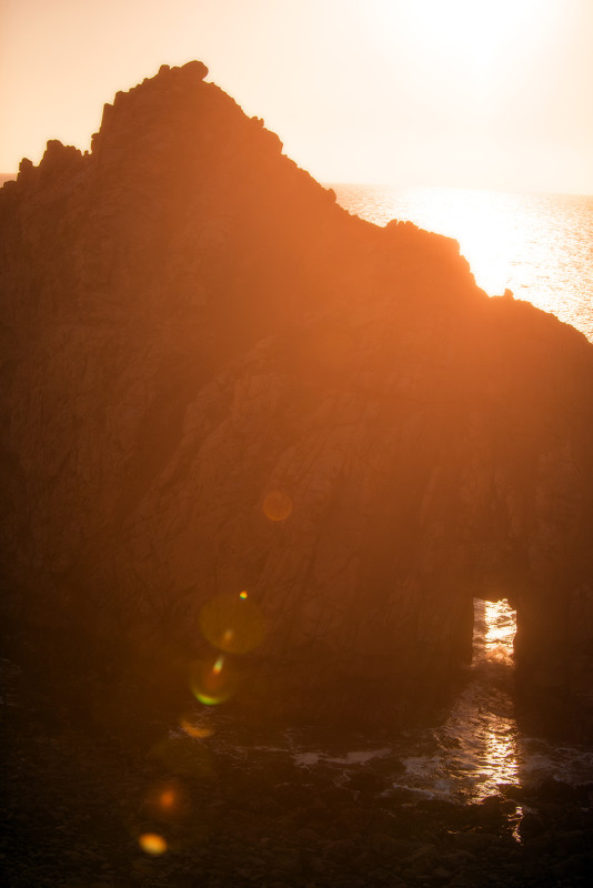 big-sur-keyhole-arch-soft-light-flare
