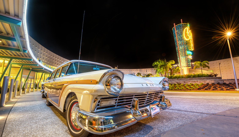cabana-bay-beach-resort-classic-car