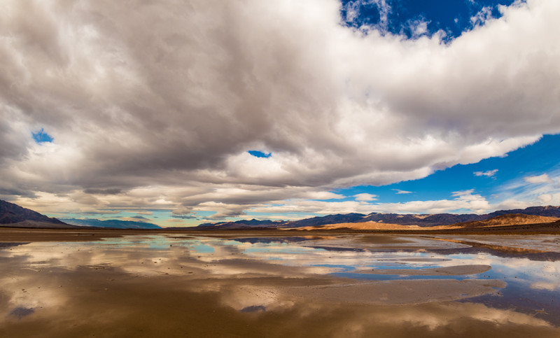 death-valley-color-light-clouds
