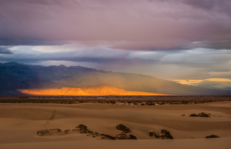 death-valley-national-park-band-light-mountain