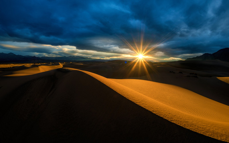 death-valley-national-park-mesquite-dunes-sunrise-burst copy-2