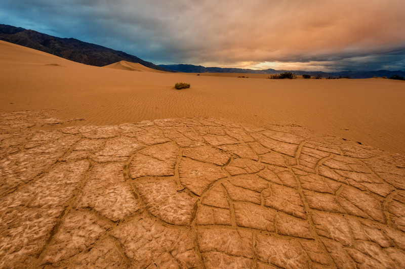 death-valley-national-park-playa-sunrise