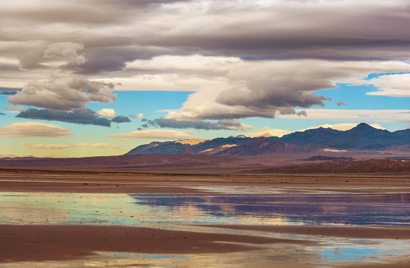 death-valley-national-park-salt-flats-water