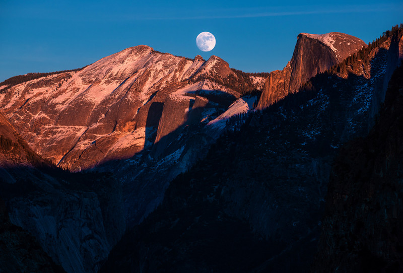 half-dome-full-moon-rise-yosemite