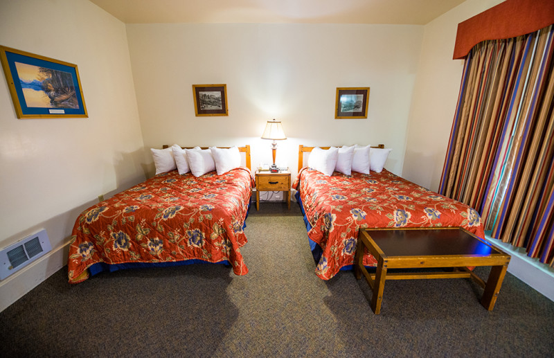 lake-mcdonald-lodge-beds
