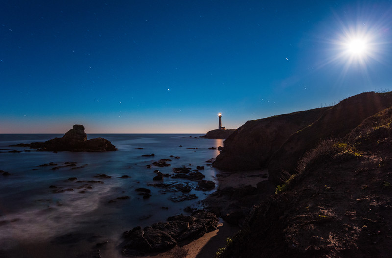 pigeon-point-lighthouse-full-moon-ocean