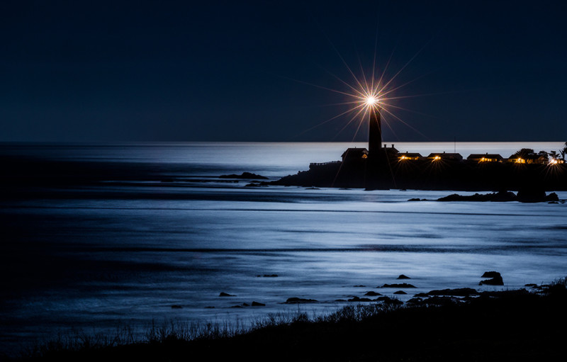 pigeon-point-lighthouse-night-starburst