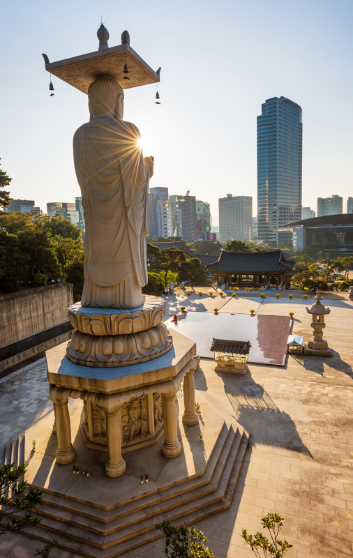 buddha-statue-sunburst-seoul-south-korea