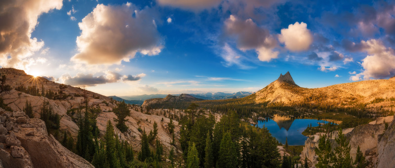 panorama-yosemite-national-park-upper-cathedral-lake-bricker