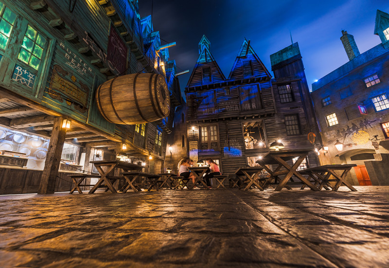 butter-beer-seating-area-harry-potter