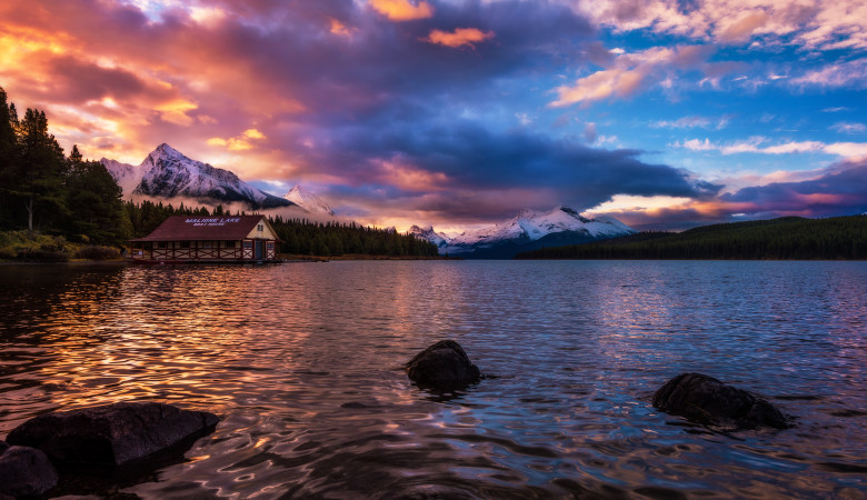 maligne-lake-sunrise-color-boathouse-jasper-national-park-canadian-rockies copy