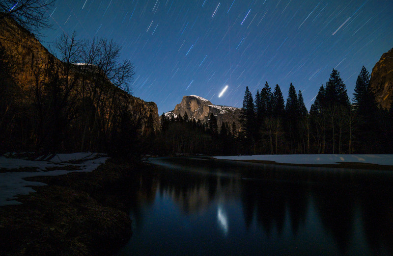 half-dome-star-trails-1005-exposure-sony-a7rii-bricker