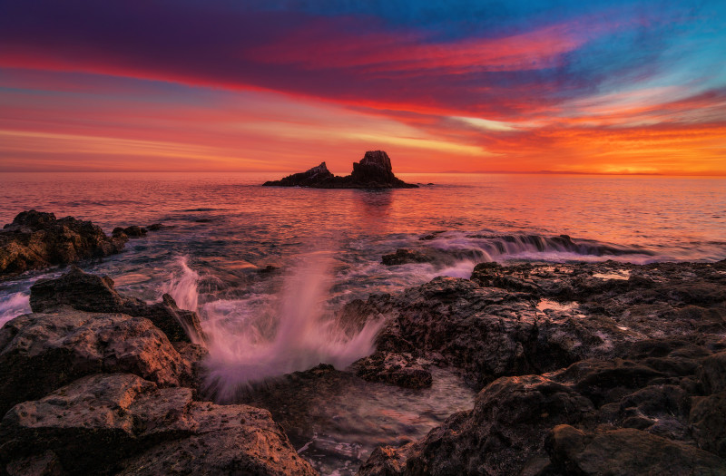 laguna-beach-seal-rock-sunset-dusk-wave-tom-bricker