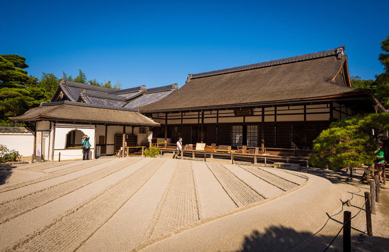 silver-pavilion-kyoto-japan-bricker-008