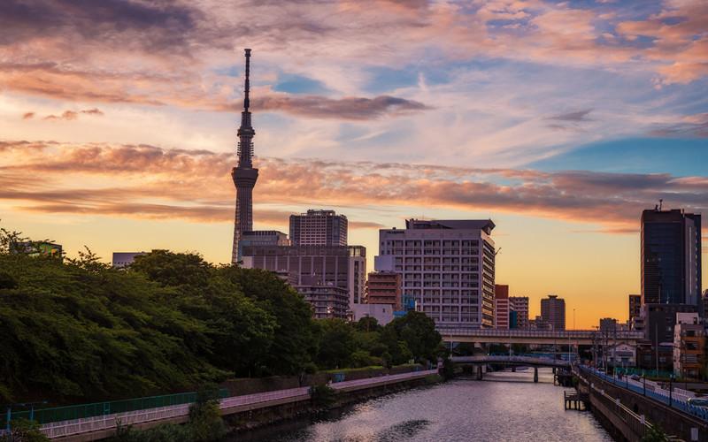 tokyo-skytree-sunset-japan-bricker