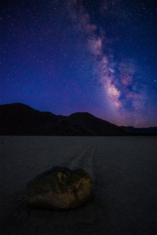 racetrack-playa-milky-way-death-valley-national-park-bricker