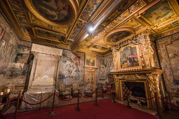 chateau-de-cheverny-loire-valley-france-074