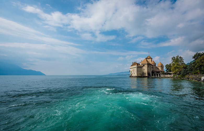 chillon-castle-lake-geneva-switzerland-431