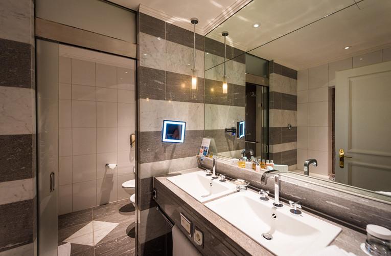 fairmont-montreux-palace-lake-geneva-switzerland-hotel-582