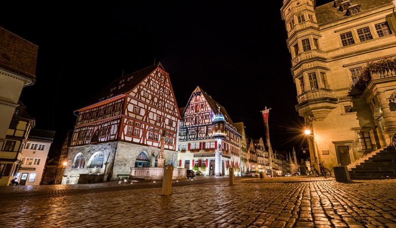 rothenburg-ob-der-tauber-germany-night-town-square-bricker