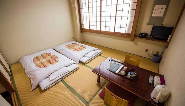 japan-ryokan-hotel-room-20170219346