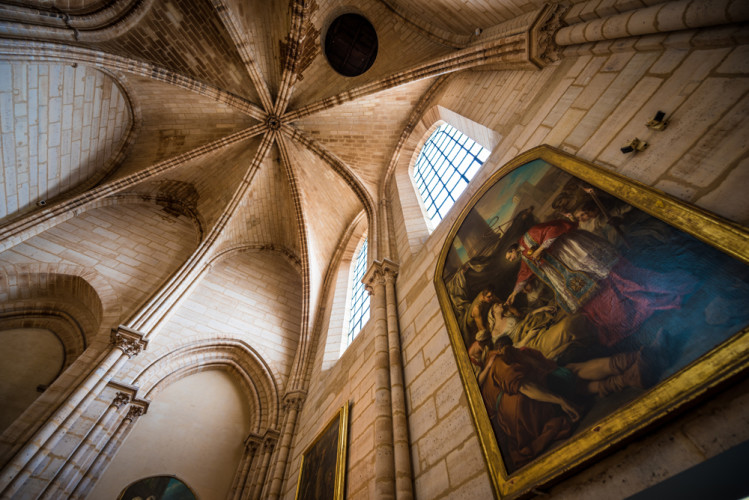 notre-dame-de-paris-cathedral-france-044