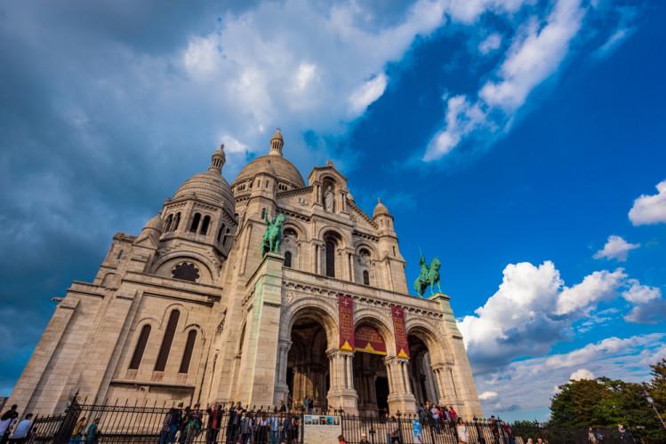 side-clouds-sacre-coeur-paris-france