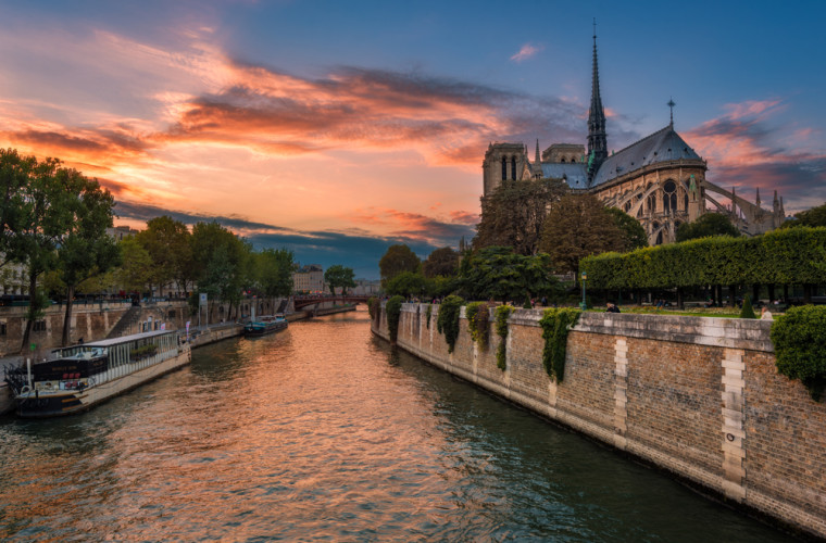 sunset-notre-dame-de-paris-cathedral-france-bricker