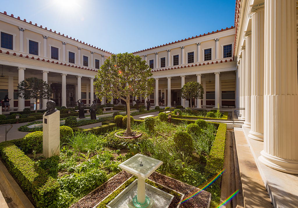 getty villa Currently, the museum displays collections at both the getty center and the getty villa in pacific palisades in 2005,.
