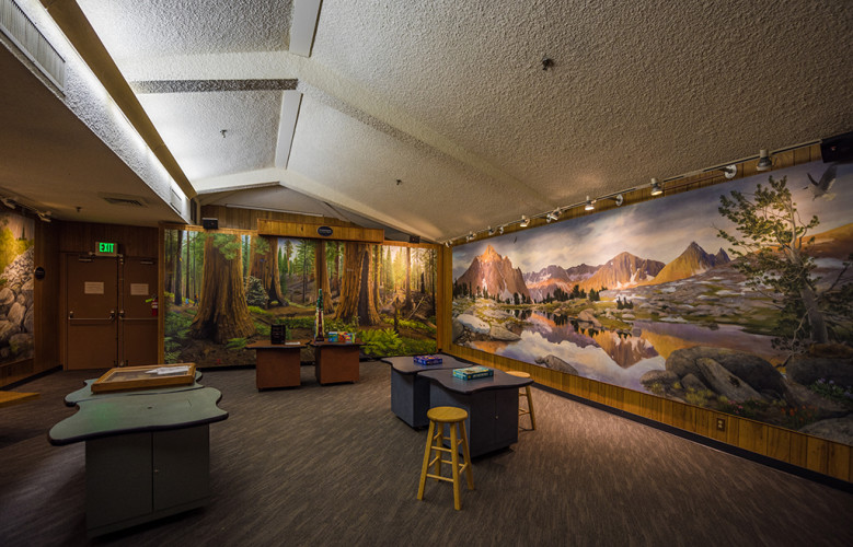 kings-canyon-national-park-visitor-center-571