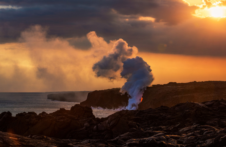soft-sunset-lava-ocean-entry-kamokuna-viewing-hawaii-volcanoes-national-park-bricker copy