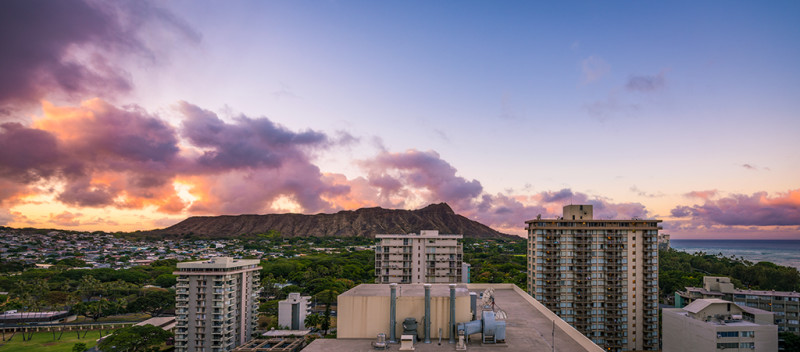 sunrise-waikiki-beach-diamondhead-oahu-hawaii