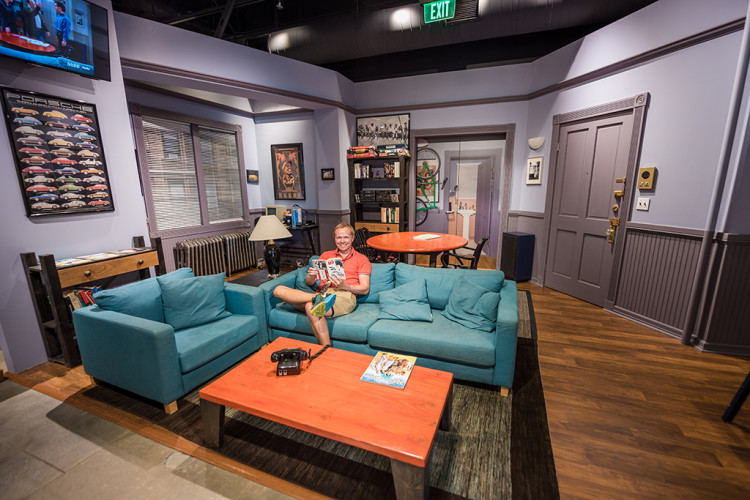 tom-bricker-seinfeld-set-sony-pictures-studio-tour-california-694
